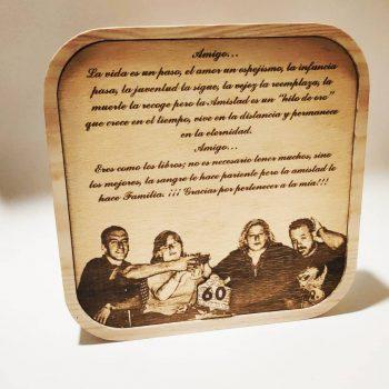 Objeto de decoración en madera